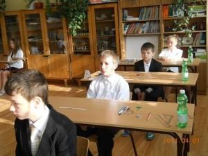 Szóstoklasiści zBanicy przygotowują się donapisania sprawdzianu (fot.Szkoła Podstawowa wBanicy)