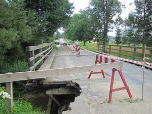 Zniszczony przezpowódź most wKwiatoniu