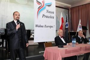 Szymon Jamro podczas zorganizowanego wGorlicach spotkania zJanuszem Korwin-Mikkem (kwiecień 2014).