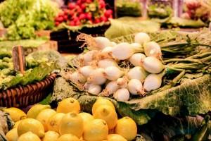 owoce warzywa targ