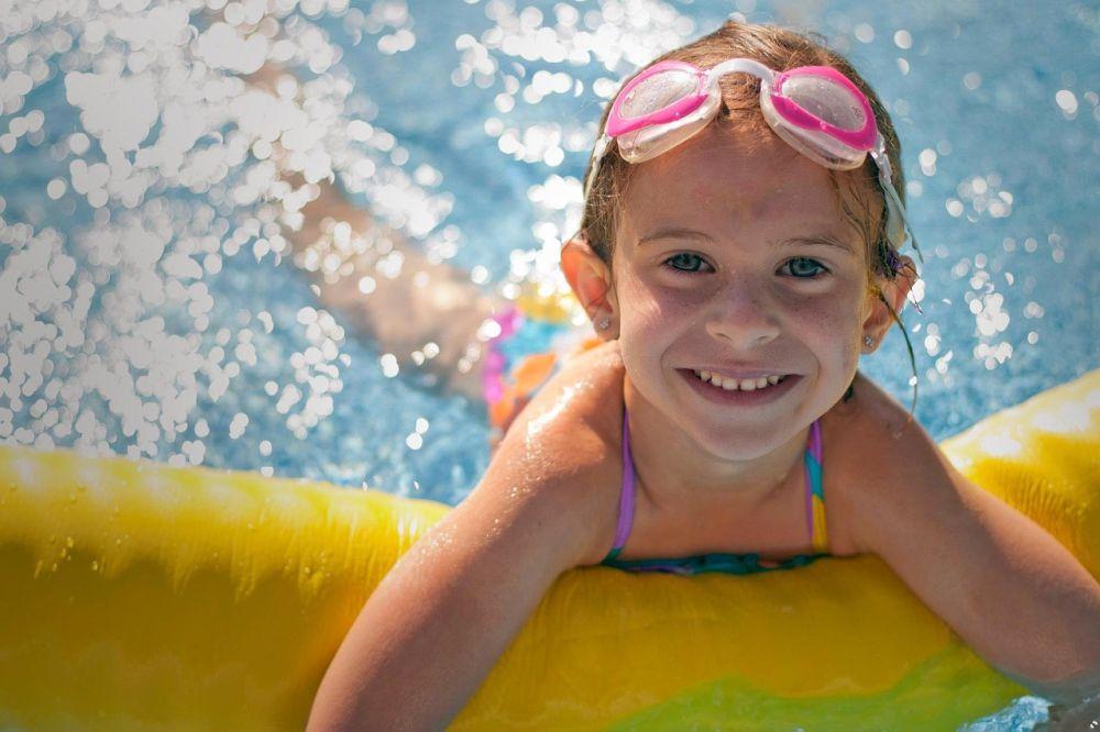 lato dziecko basen