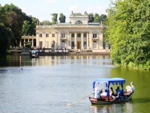 Palace_on_the_Water,_Łazienki_Park,_Warsaw-1